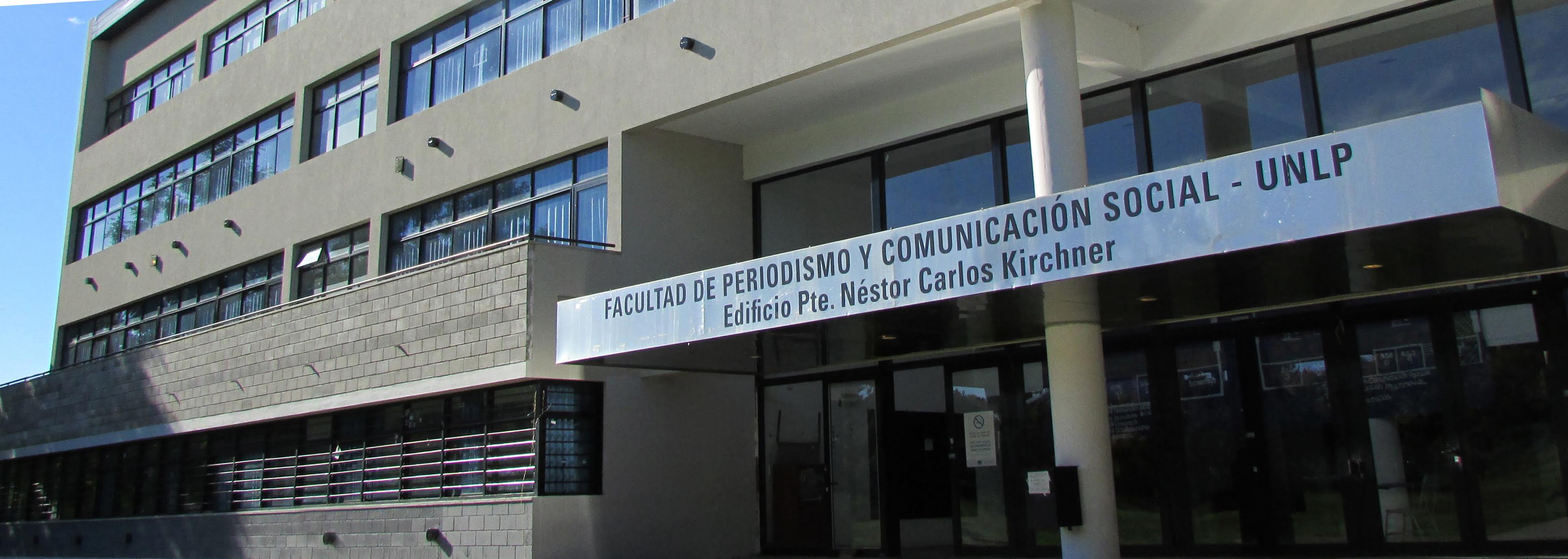 fachada del edificio Nésotr Kirchner