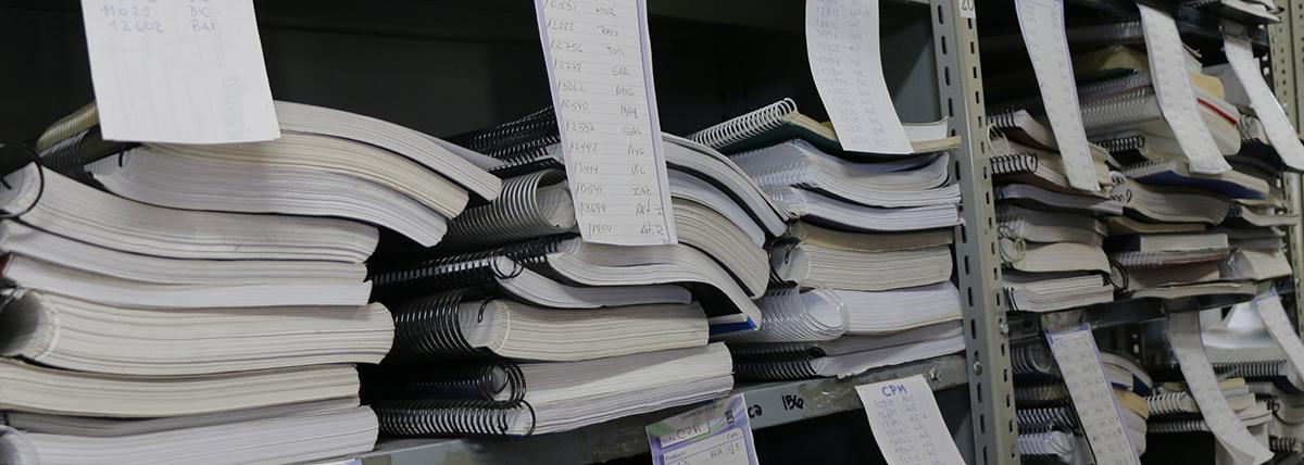 banco de tesis y tifs abierto a consultas