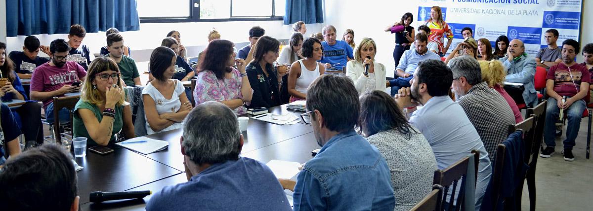 reunion de consejo directivo con representantes de todos los claustros