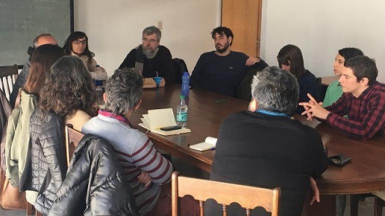 participaron, la Secretaria Académica, Ayelen Sidun; los Pro-secretarios Académicos, Gisela Sasso y Federico Rodrigo; el Director de la Licenciatura en Comunicación Social, Carlos Ciappina