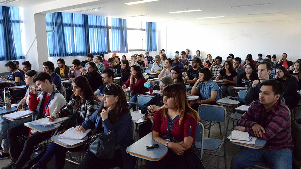 Estudiantes de la Facultad durante una cursada