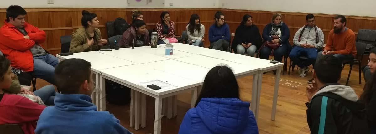 Reunión de Extensionistas en un aula